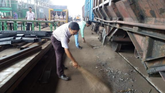 Railway Wagon Cleaning Service